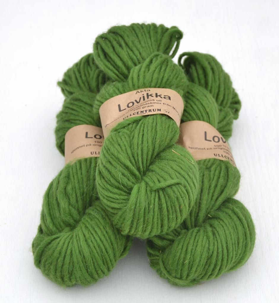Lovikka - 3132 Grün auf hellgrauem Gotland / Green on light Gotland