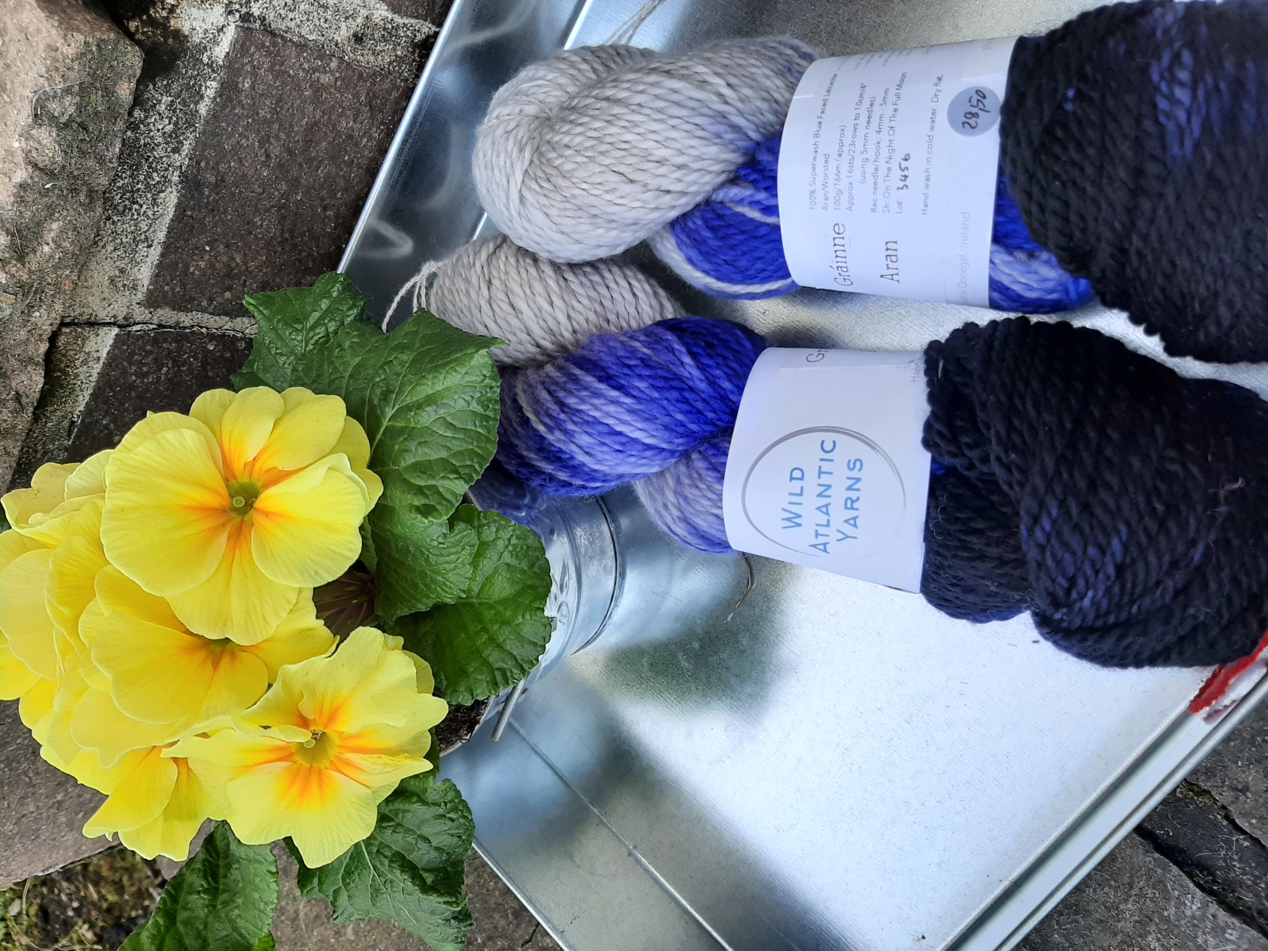 Wild Atlantic Yarn lila weiß